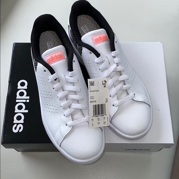 adidas Shoes   Womens Advantage Size 8